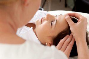 Hypnose als Ergänzung zur Augenbehandlung